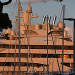 Enorme Yacht d'Antibes by papyphilippe06 - Antibes 06600 Alpes-Maritimes Provence France