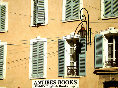 Facade d'immeuble - Antibes Books par Shahrazad_84