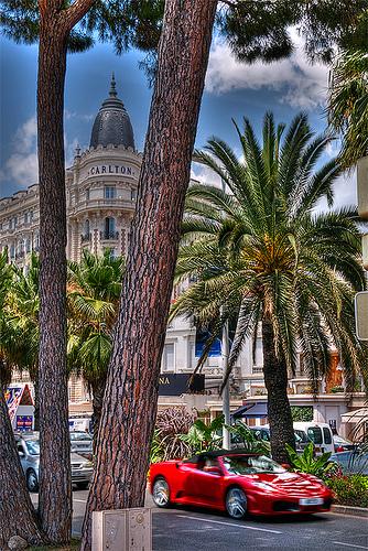Cannes, Carlton et voiture de sport by lucbus
