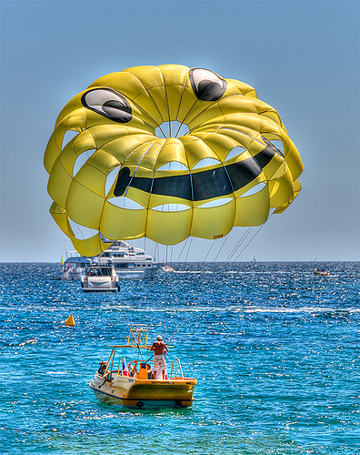 """Parachute ascensionnel """"smiley"""" by lucbus"""