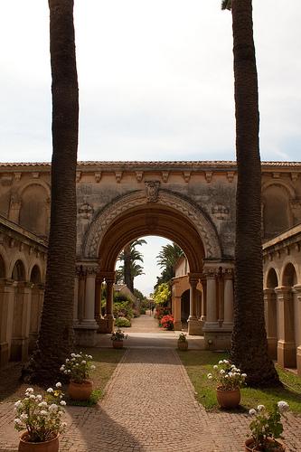 Iles de Lérins : monastère de Saint-Honorat by david.chataigner