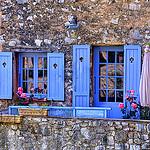 Maisonnette en pierre aux volets bleus par chatka2004 - Coursegoules 06140 Alpes-Maritimes Provence France
