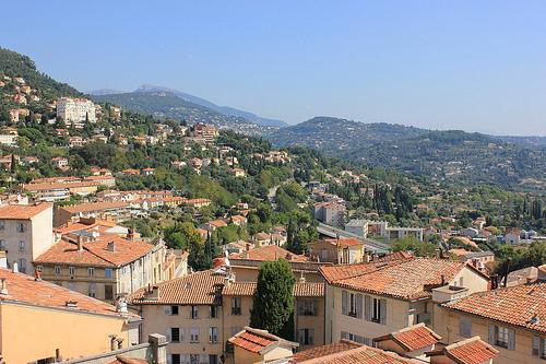 Les hauteurs de la ville de Grasse par russian_flower