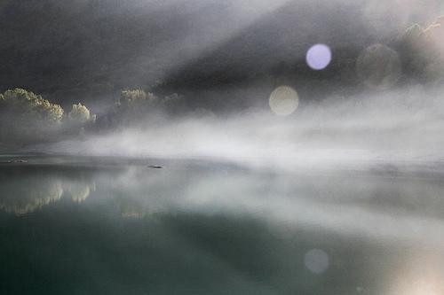 Parc du lac du Broc - Passage sans mémoire by Emmanuelle2Aime2Ailes