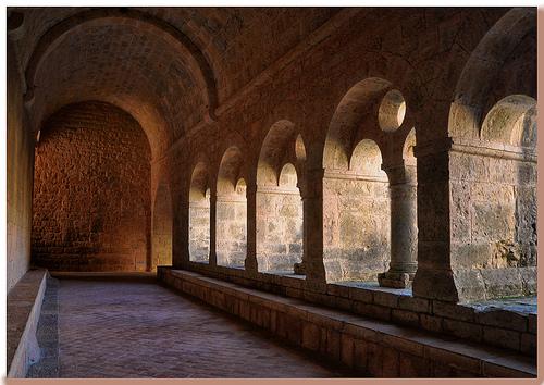 Cloître - Abbaye du Thoronet - Var par Charlottess
