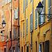 De la couleur ! Façades dans la vieille ville de Menton par www.tourisme-menton.fr - Menton 06500 Alpes-Maritimes Provence France