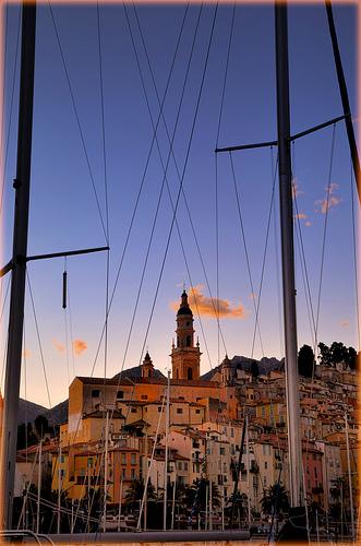 La veille ville et clocher de Menton by Charlottess