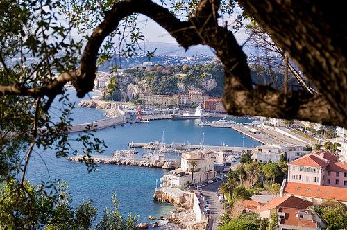 Port de Nice vu des hauteurs de la ville by Bomboclack