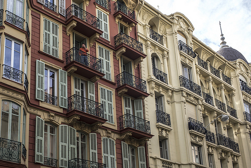 Facades d'immeubles à Nice, France par Mel Surdin Photography