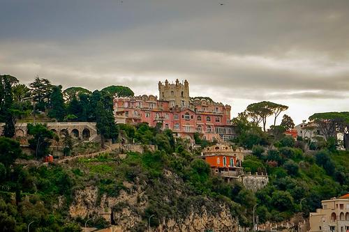 """Chateau de l'Anglais - le """"pink castle"""" à Nice par harakis picture"""
