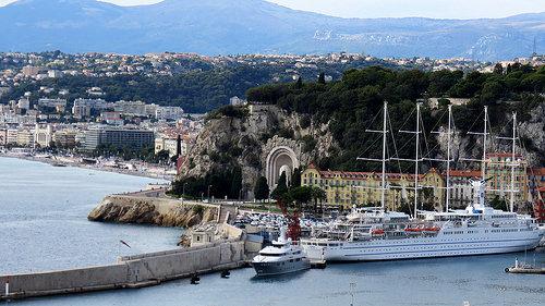 Le bateau club med 2 à Nice by bernard.bonifassi