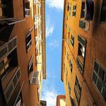 Ruelle jaune du Vieux Nice par russian_flower - Nice 06000 Alpes-Maritimes Provence France
