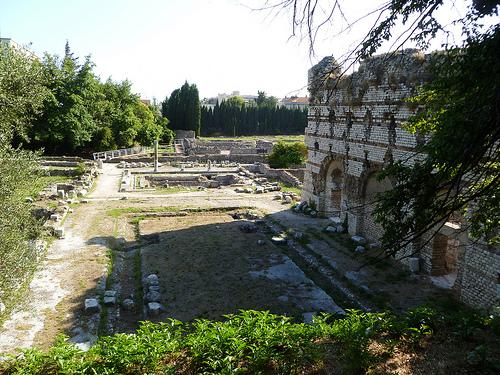 Les ruines romaines de Cemenelum à Cimiez. by bendavidu