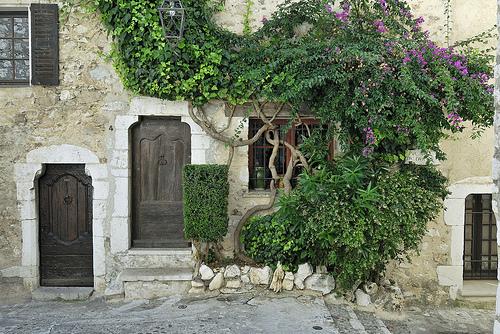 Façade authentique - Saint Paul de Vence by pizzichiniclaudio