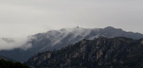 Neige et brouillard au Mont Vial by bernard BONIFASSI