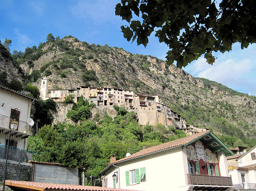 Touët-sur-Var, looking like a Tibetan village par Sokleine