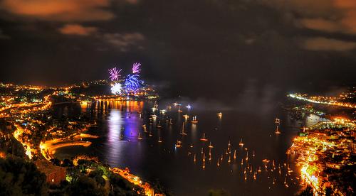Feu d'artifice du 15 août tiré depuis Saint Jean Cap ferrat by Riccardo Giani Travel Photography