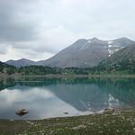Lac d'Allos, le Mont Pelat et le refuge par  - Allos 04260 Alpes-de-Haute-Provence Provence France
