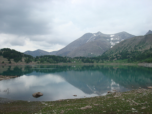 Lac d'Allos, le Mont Pelat et le refuge par Hélène_D