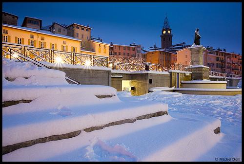 Digne les bains sous la neige digne les bains alpes de for Piscine de digne les bains