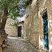 Ruelle du village de Lurs par Charlottess - Lurs 04700 Alpes-de-Haute-Provence Provence France