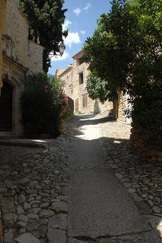 La pierre de Lurs en Haute-Provence par Michel Seguret
