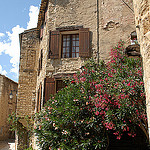 Maisons dans le village de Lurs en Haute-Provence par Michel Seguret - Lurs 04700 Alpes-de-Haute-Provence Provence France