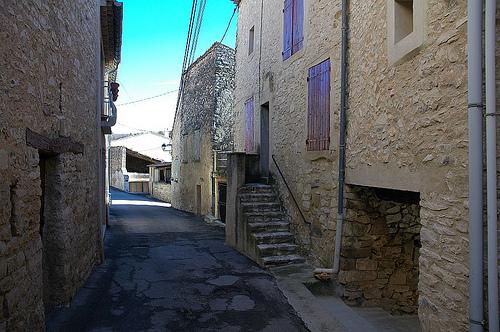 Ruelle de Mallefougasse, Alpes de Haute Provence by Patrick.Raymond