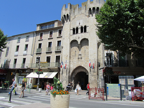 Porte d'entrée de Manosque by Olivier Nade