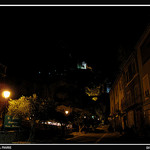 Moustiers Sainte Mairie de nuit par Sylvia Andreu - Moustiers Ste. Marie 04360 Alpes-de-Haute-Provence Provence France
