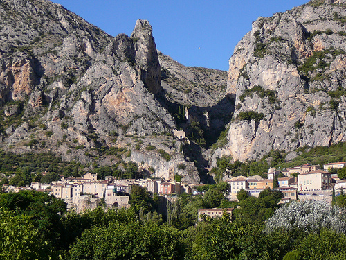 Vue de Moustiers par Locations Moustiers