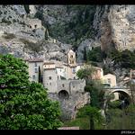 Le Village - Moustiers par Sylvia Andreu - Moustiers Ste. Marie 04360 Alpes-de-Haute-Provence Provence France