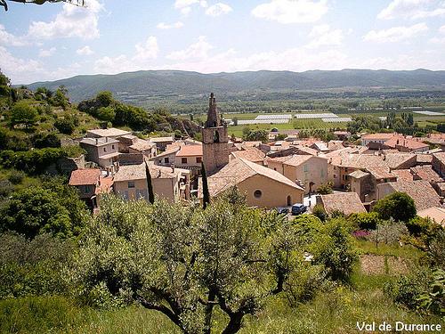 Les toits du village de Peyruis par Val de Durance Tourisme et VTT