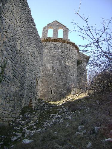 Ballade en Haute Provence : chapelle abandonnée par Hélène_D