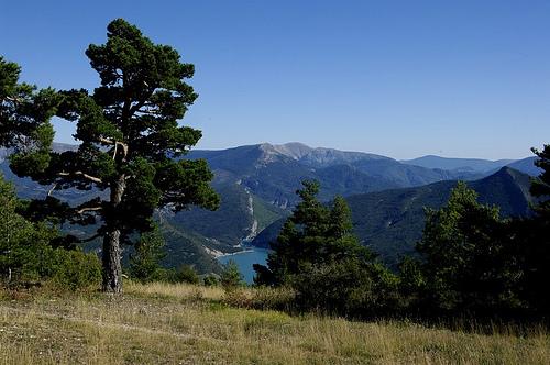 Vue sur le lac de Castillon par Géo-photos