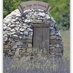 la loge aux lavandes - réservé aux artistes ! par marilia barbaud - Valensole 04210 Alpes-de-Haute-Provence Provence France