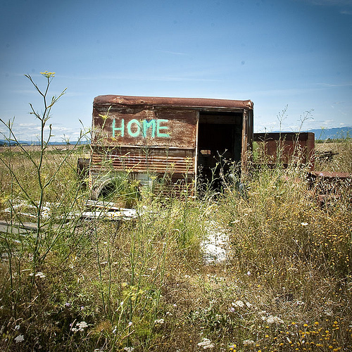 Home - un logement pas cher en provence ! by Bitxuverinosa
