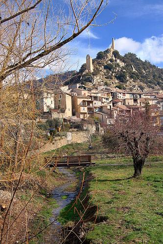 Village et tour du guet - Volonne by Charlottess