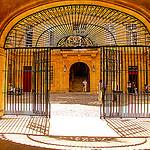Mairie d'Aix-en-Provence : porte et grille d'entrée  par Meteorry - Aix-en-Provence 13100 Bouches-du-Rhône Provence France