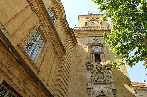 Mairie d'Aix-en-Provence et sa tour de l'horloge par Meteorry