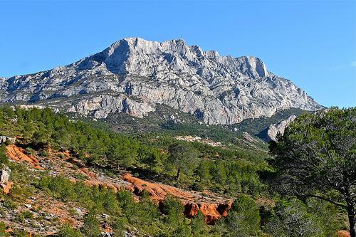 Les couleurs de la Montagne Sainte Victoire par Alpha Lima X-ray