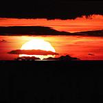 Coucher de soleil sur le Canigou depuis la Tour de César par bruno Carrias - Aix-en-Provence 13100 Bouches-du-Rhône Provence France