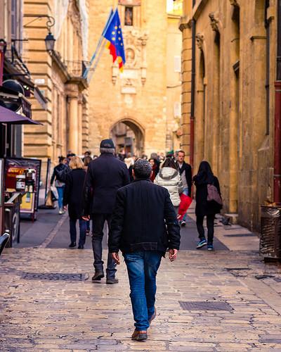 Rue piétonne au centre d'Aix par Eduardo Guerra Claros