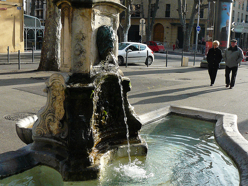 Une fontaine à Aix-en-Provence by Antoine 2011