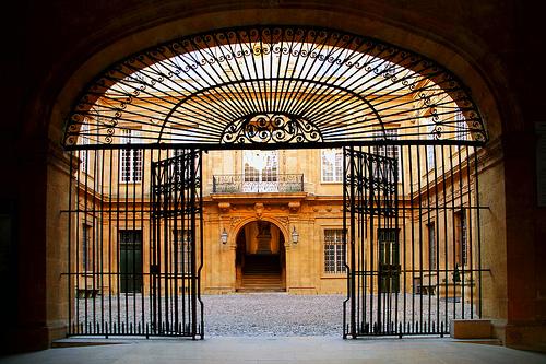 Aix en Provence, Grilles de l'Hôtel de Ville par Boccalupo