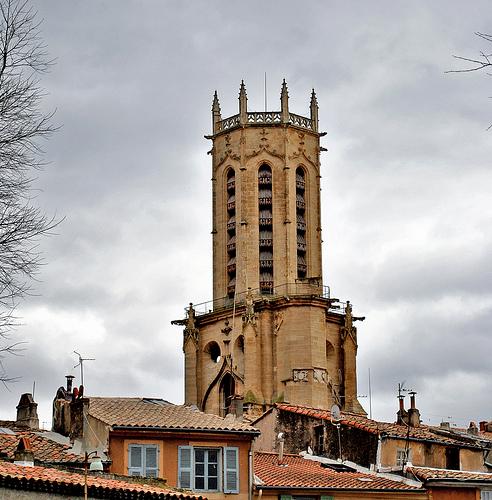 Clocher de la Cathedrale Saint-Sauveur par ..OZ..