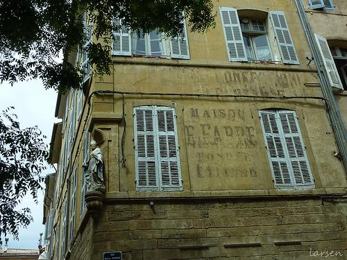 Aix-en-Provence - rue Marius Reynaud by larsen & co
