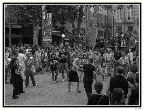 Festival C'est Sud : on danse dans les rues d'aix par Alain Taillandier
