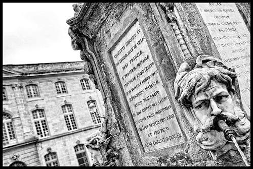 Fontaine de l'Hôtel de Ville by dominique cappronnier