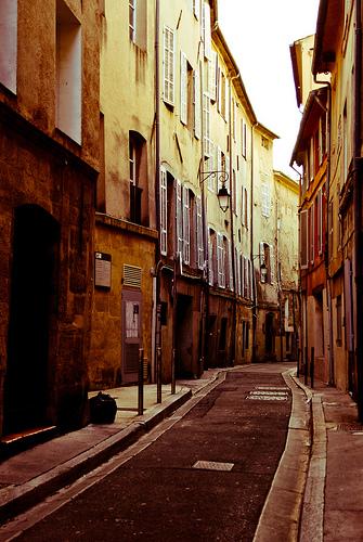 Rue provencale d'aix by Karsten Hansen